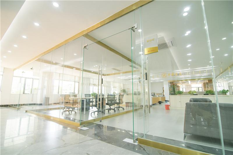 办公室走廊_广东中联电缆集团有限公司_广东名牌电缆电缆厂家